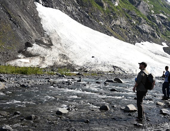 Record heat in Alaska melts glaciers at furious pace
