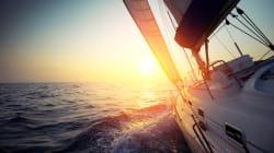 Seguire il vento e usare il sole, in barca a vela con i pannelli