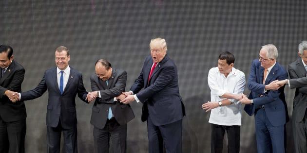 Usa, Trump vola nelle Filippine e annuncia: