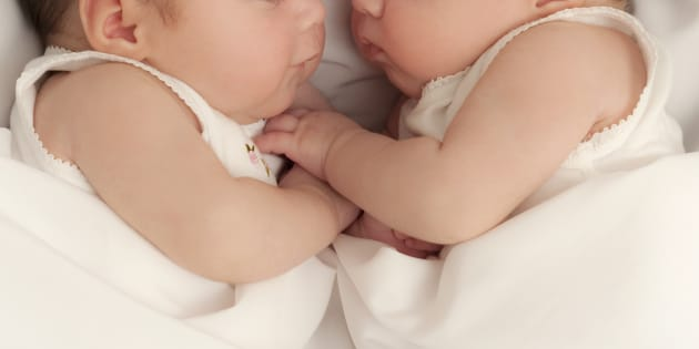 Gemelli di Lodi nascono a due mesi di distanza l'uno dall'altro. Parto eccezionale salva la vita a bimbi e mamma