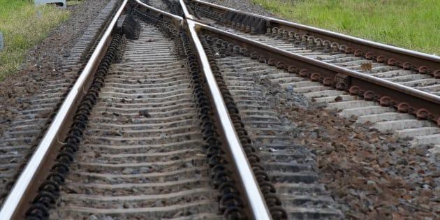 15enne travolto e ucciso da treno a Parabiago (Milano): ipot