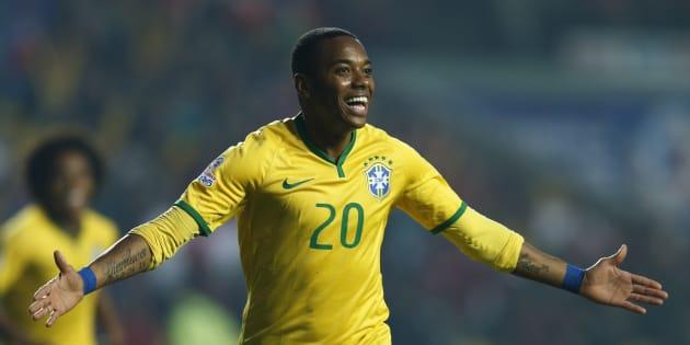 Robinho sous le maillot du Brésil en 2015.