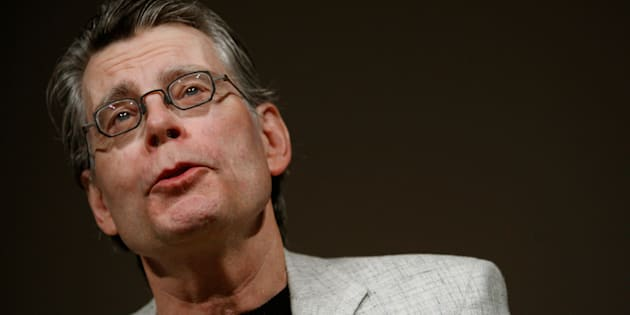 Author Stephen King speaks at a news conference to introduce the new Amazon Kindle 2 electronic reader in New York, U.S. on February 9, 2009.  REUTERS/Mike Segar/File Photo