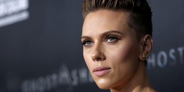 Face au scandale, elle prend une décision radicale — Scarlett Johansson