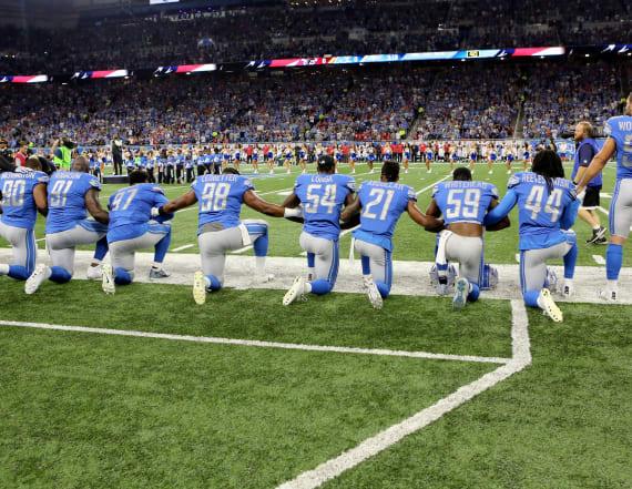 2 anthem singers take knees during NFL games