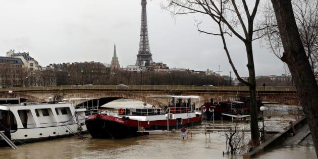 La fermeture du RER C dans Paris à cause de la crue va se prolonger jusqu'au 5 février minimum