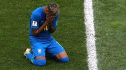 Une simulation grotesque et des larmes pour Neymar avec le Brésil face au Costa
