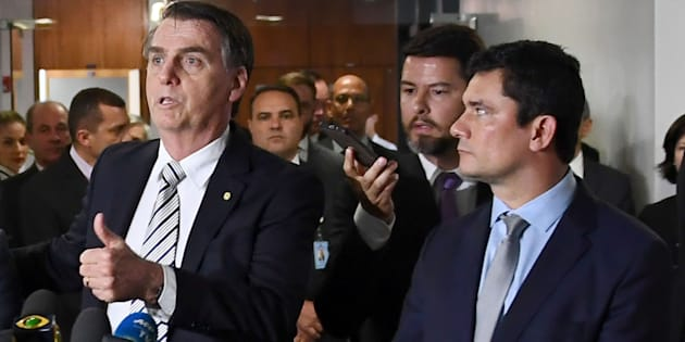 Bolsonaro quer o fim do indulto natalino; Moro acredita que o benefício concedido de forma ampla estimula o crime.