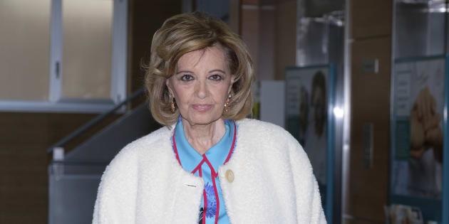 María Teresa Campos a la salida de la clínica.