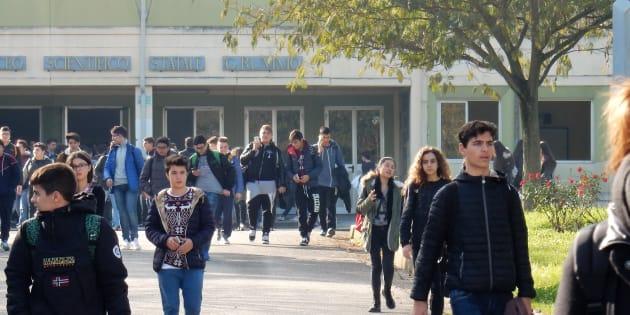 """""""Meno chat scolastiche per frenare la violenza contro i"""