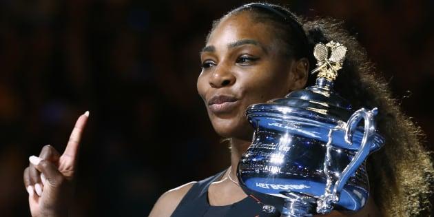 Serena Williams, el 28 de enero de 2017, al ganar el Open de Australia en el Melbourne Park de Melbourne, en un partido disputado frente a su hermana Venus.