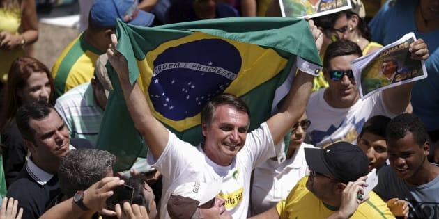 Legião de eleitores de Bolsonaro só cresce.