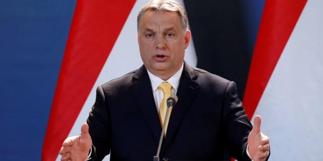 L'Ungheria mette in Costituzione il divieto di accogliere migranti economici