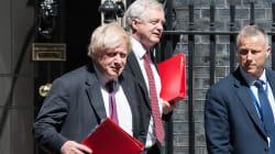 Dimissioni di David Davis e Boris Johnson sulla Brexit. Due colpi da K.O. per Theresa