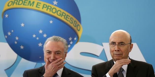 O cenário de incertezas na política influencia, majoritariamente, a economia no País.