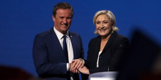 Nicolas Dupont-Aignan et Marine Le Pen le 1er mai 2017 à Villepinte.