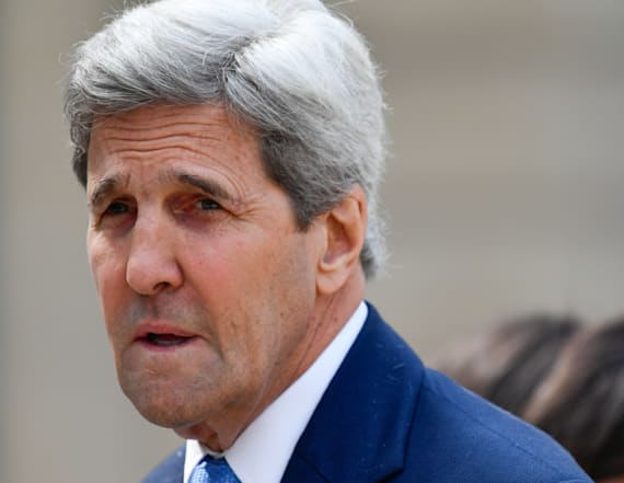 Kerry calls Trump meeting with Putin 'disgraceful'