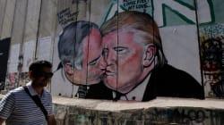 Trump y Netanyahu se dan un beso en el muro entre Israel y