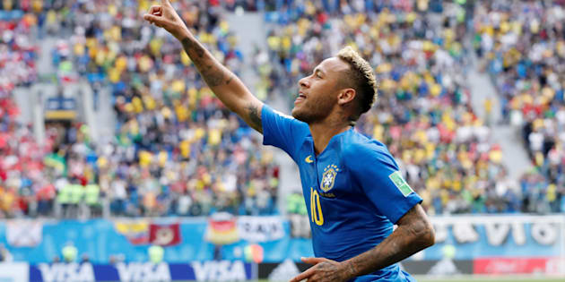 Soccer Football - World Cup - Group E - Brazil vs Costa Rica - Saint Petersburg Stadium, Saint Petersburg, Russia - June 22, 2018   Brazil's Neymar celebrates scoring their second goal     REUTERS/Carlos Garcia Rawlins