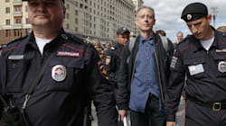Attivista inglese per i diritti gay fermato dalla polizia