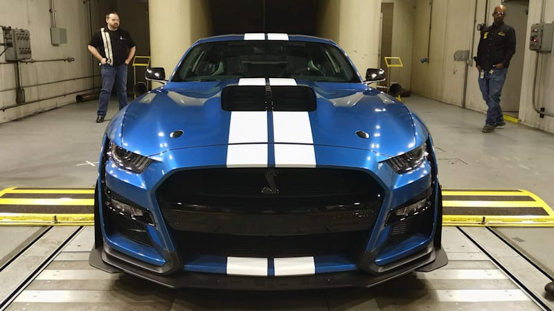 ford mustang shelby gt    fastest    track autoblog