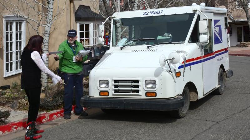 Streit zwischen Workhorse und Oshkosh hält Postzusteller in veralteten Lastwagen fest