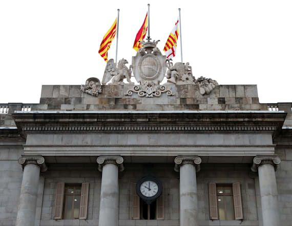 Spain to trigger suspension of Catalan autonomy