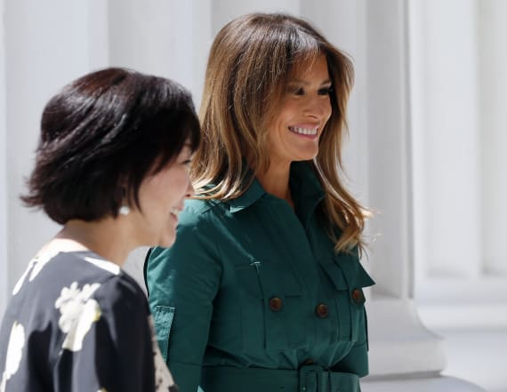 Melania Trump steals the show in green shirtdress