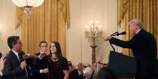 Il giornalista della Cnn Jim Acosta vince contro Trump: &quo