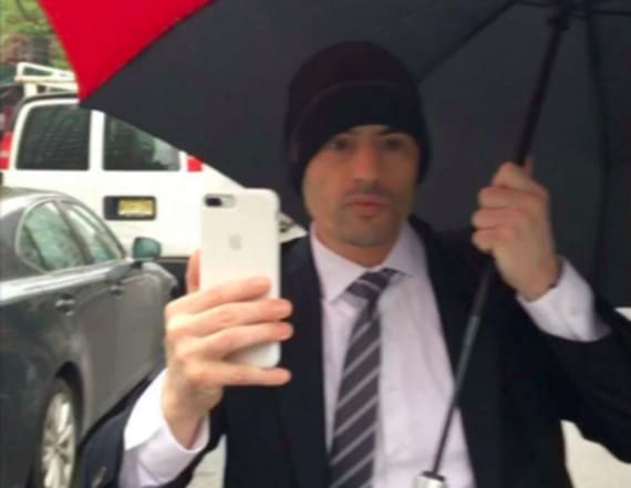 Racist lawyer sorry for ranting at Spanish speakers