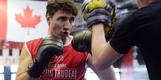 Prime Minister Justin Trudeau spars with professional boxer Yuri Foreman at the Gleason's Boxing Gym in Brooklyn, New York on April 21, 2016.