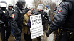 Más de 100 detenidos en Rusia en manifestaciones contra