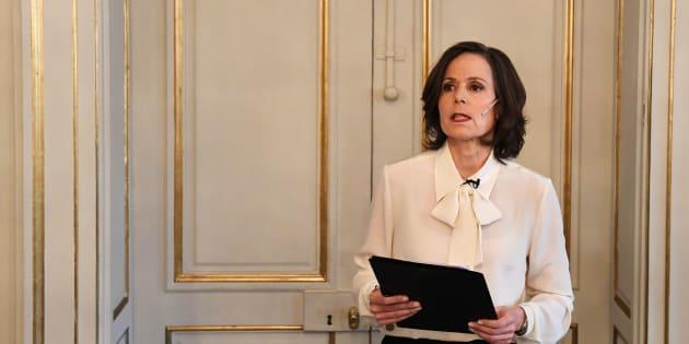 En Suède, le nœud lavallière, porté par Sara Danius, ancienne secrétaire à l'Académie suédoise, est devenu un nouveau symbole du mouvement #MeToo