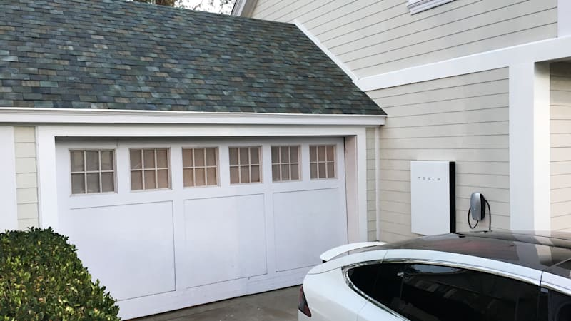 Tesla Solar Roof Order >> Tesla S Solar Business Lags So It Cuts Prices On Solar Panels By 38