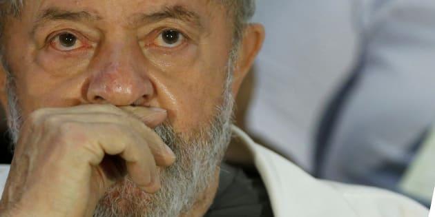 Lula foi condenado em 1ª instância a nove anos e seis meses de prisão por corrupção e lavagem de dinheiro.