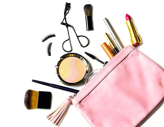 22 travel-sized beauty products for your weekend bag
