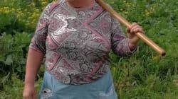 La foto de la agricultora gallega que está dando la vuelta al mundo por su parecido más que