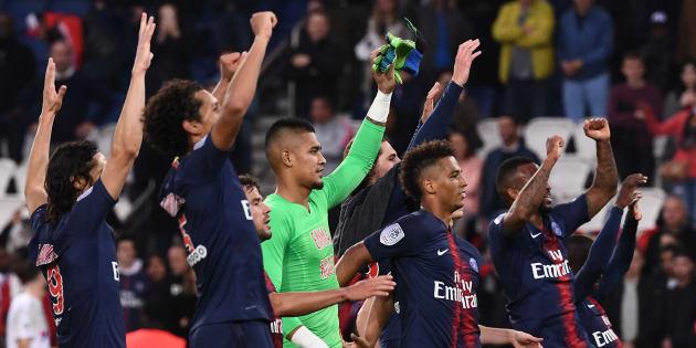 Les joueurs du PSG touchent une prime d'éthique comprenant l'obligation d'aller saluer leurs supporters en début et fin de match.