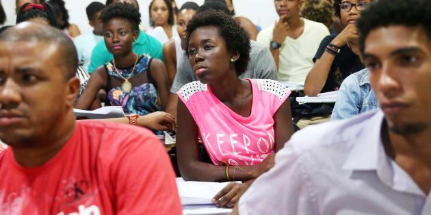 O Brasil chegou a ter mais estudantes negros no ensino superior que os Estados Unidos, porém a esmagadora maioria em faculdades de pouca qualidade.