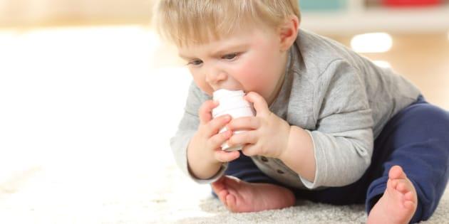 Les enfants avalent trop de piles