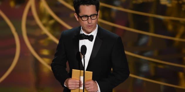 Après Westworld, J.J. Abrams - ici aux Oscars 2016 - prépare une nouvelle série pour HBO sur la colonisation de l'espace