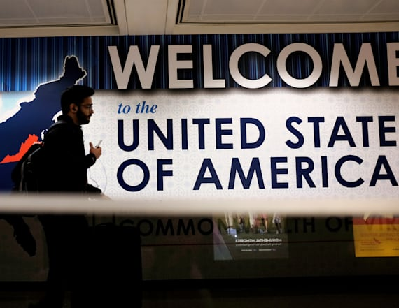 Trump readies new order to replace travel ban