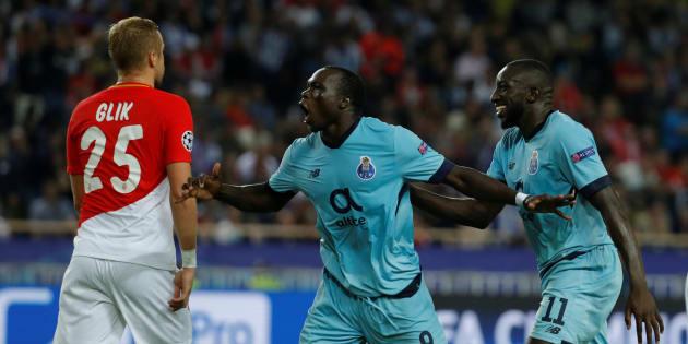 Vincent Aboubakar célèbre son deuxième but à Monaco le 26 septembre 2017.