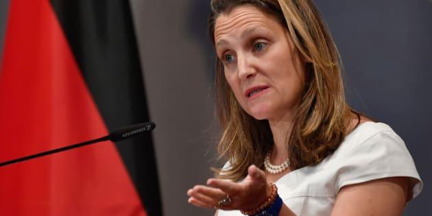 La ministre canadienne des Affaires étrangères Chrystia s'exprimait devant une réunion annuelle des ambassadeurs allemands à Berlin.