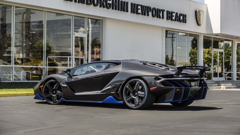 first us customer gets the keys to 1 9 million lamborghini centenario auto. Black Bedroom Furniture Sets. Home Design Ideas