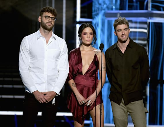 Chainsmokers and Halsey honor Avicii at BBMAs