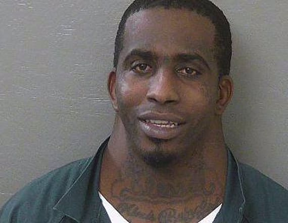 Man's mugshot goes viral for his insanely large neck