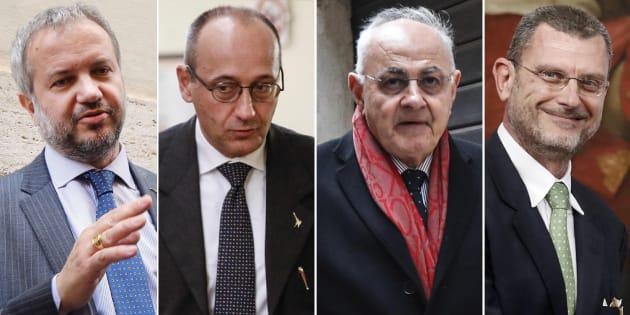 Dicono di aver visto Renzi seduto in RIVA AL FIUME con POP CORN E BIRRA che sghignazzava....BUAHAHAHAHAHAHAH e ha pure detto che i GIALLOVERDI hanno ragione .