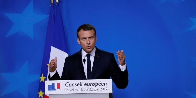 Emmanuel Macron veut croiser les fichiers S et les permis de détention d'arme.