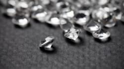 La subasta de pendientes de diamantes más grandes tiene un nuevo